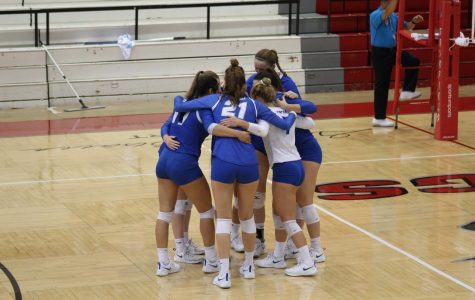 Volleyball Heating Up During Conference Play