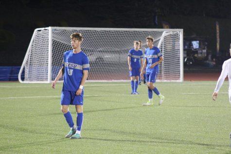 Men's Soccer Ends Season With Senior Day Loss