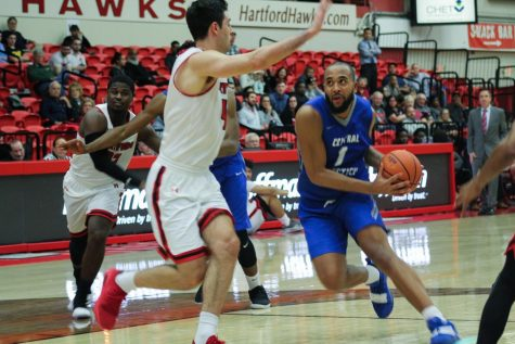 New-Look Men's Basketball Team Incorporates Six New Players