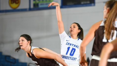 Women's Basketball Stalled By Sacred Heart In Conference Opener
