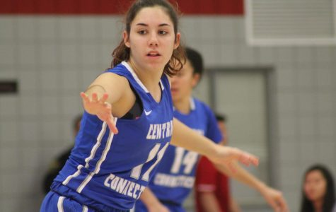 Vila Artigues Gives Women's Basketball 'True Point Guard'