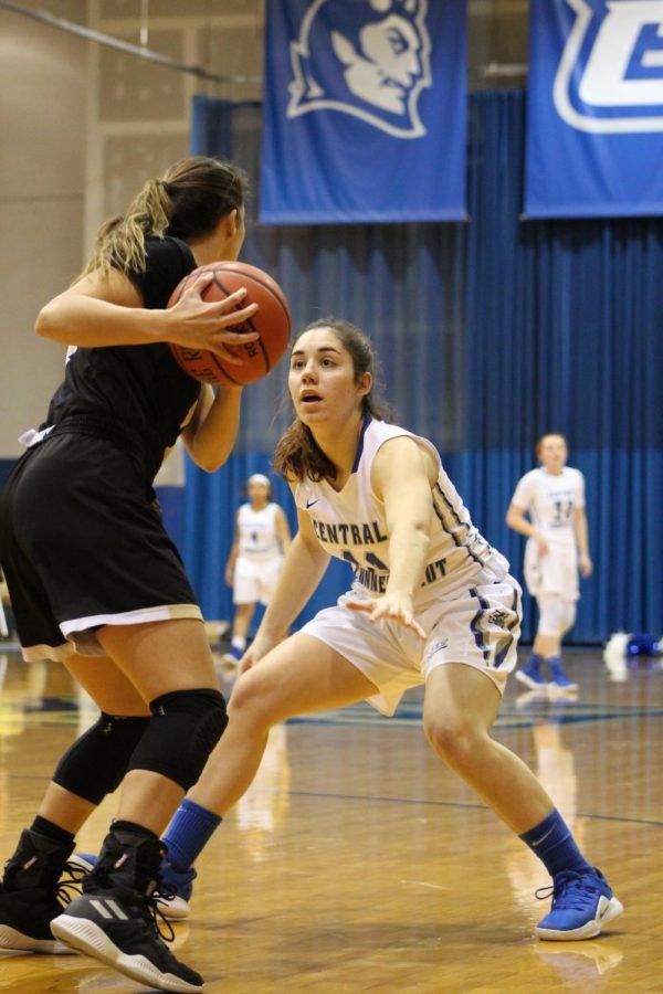Women's Basketball Defeats LIU Brooklyn, Bryant In A Thriller