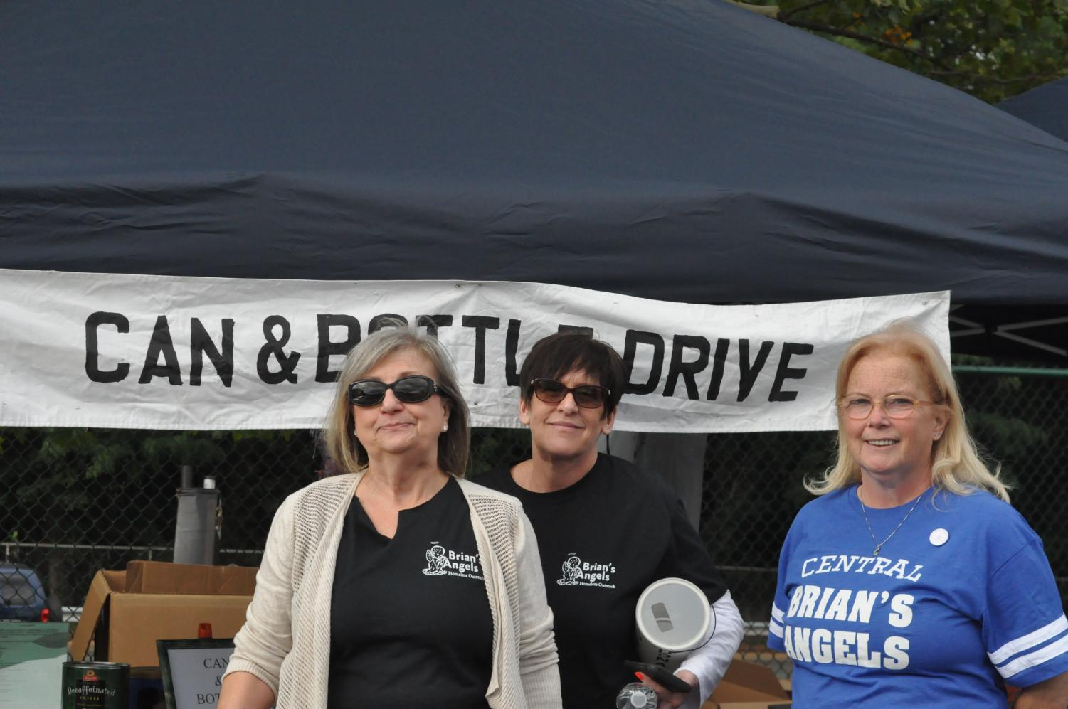 %28Left+to+right%29+Pat+Stebbins%2C+Kim+Margelot+and+Kathy+Nelson+help+run+a+can+and+bottle+drive+for+Brian%27s+Angels+Homeless+Outreach.