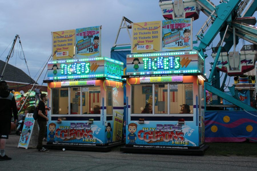To get on all of the rides the Big E had to offer, patrons had to buy tickets first at one of the many ticket booths.