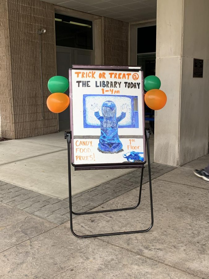The sign that greeted students before they entered the library.