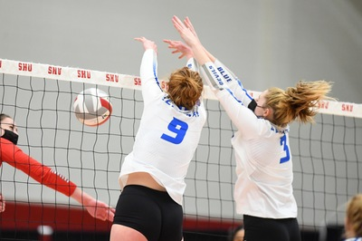 The Blue Devils recorded four straight blocks to take back the lead and ultimately win the second game.
