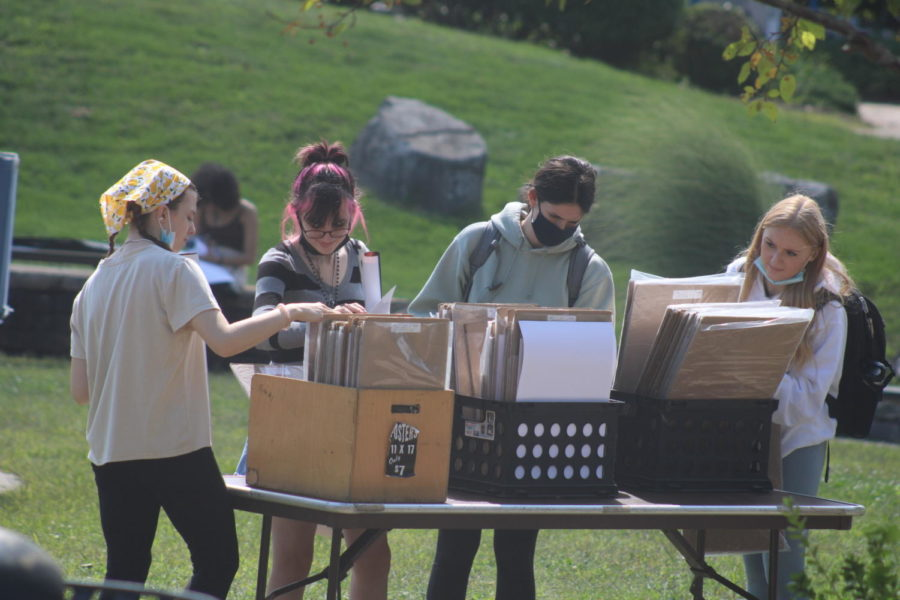 Students sift through posters at the Poster Sale on Sept. 10.